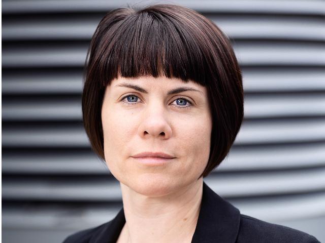 Sie kann in der Enquete-Kommission aus der Praxis erzählen: parlamind-Gründerin Tina Klüwer